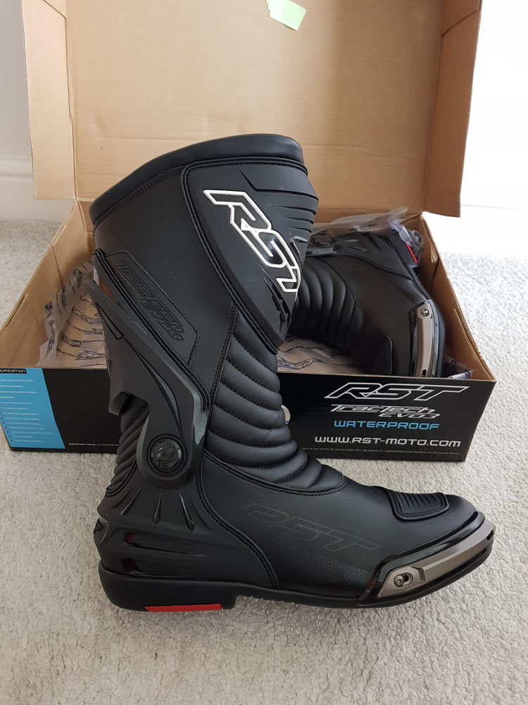 RST Tractech Evo 3 Boot unboxing